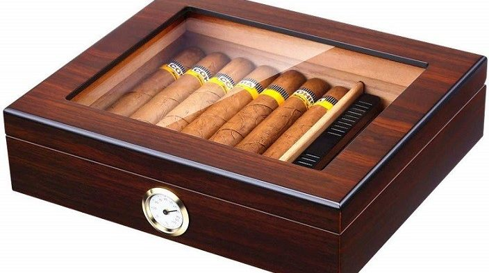 Box to store cigars so they don't dry up